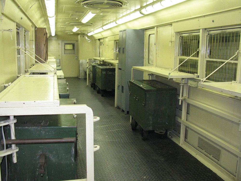 TRAIN 4-08.JPG