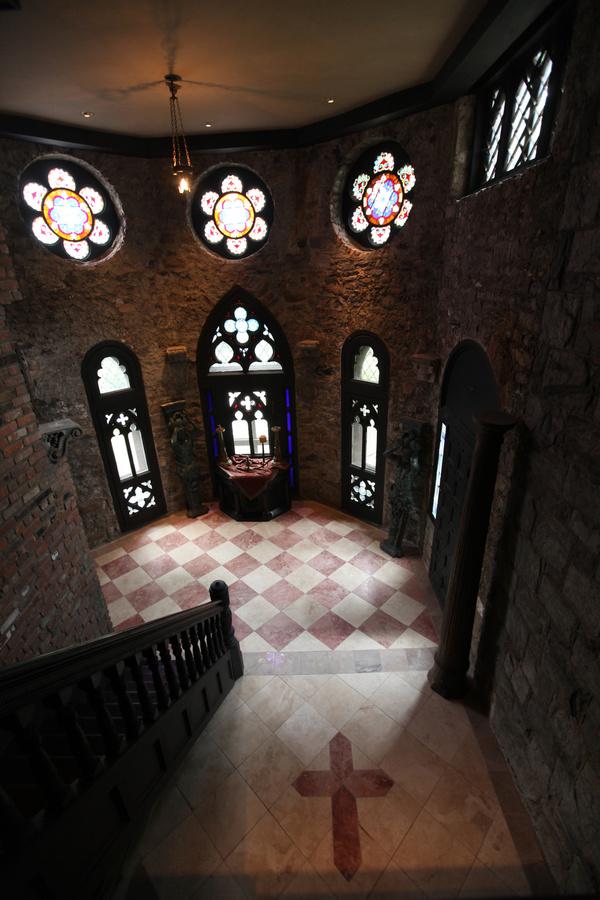 32372-1607154-chapel_42.jpg