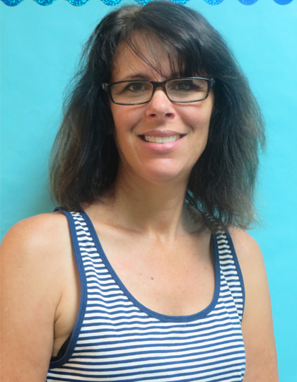 LINDA GINSBERG- Art Teacher/ STEM   All three of her children have attended TSP, and they were very well prepared for Elementary School. Before she moved to Naples, she was the Executive Director of WIZO, a non-profit organization that raises money for social programs in Israel. Even though her background is in non-profit organization and fundraising, her love is art. At TSP she can share this love with the students and watch their imaginations grow.