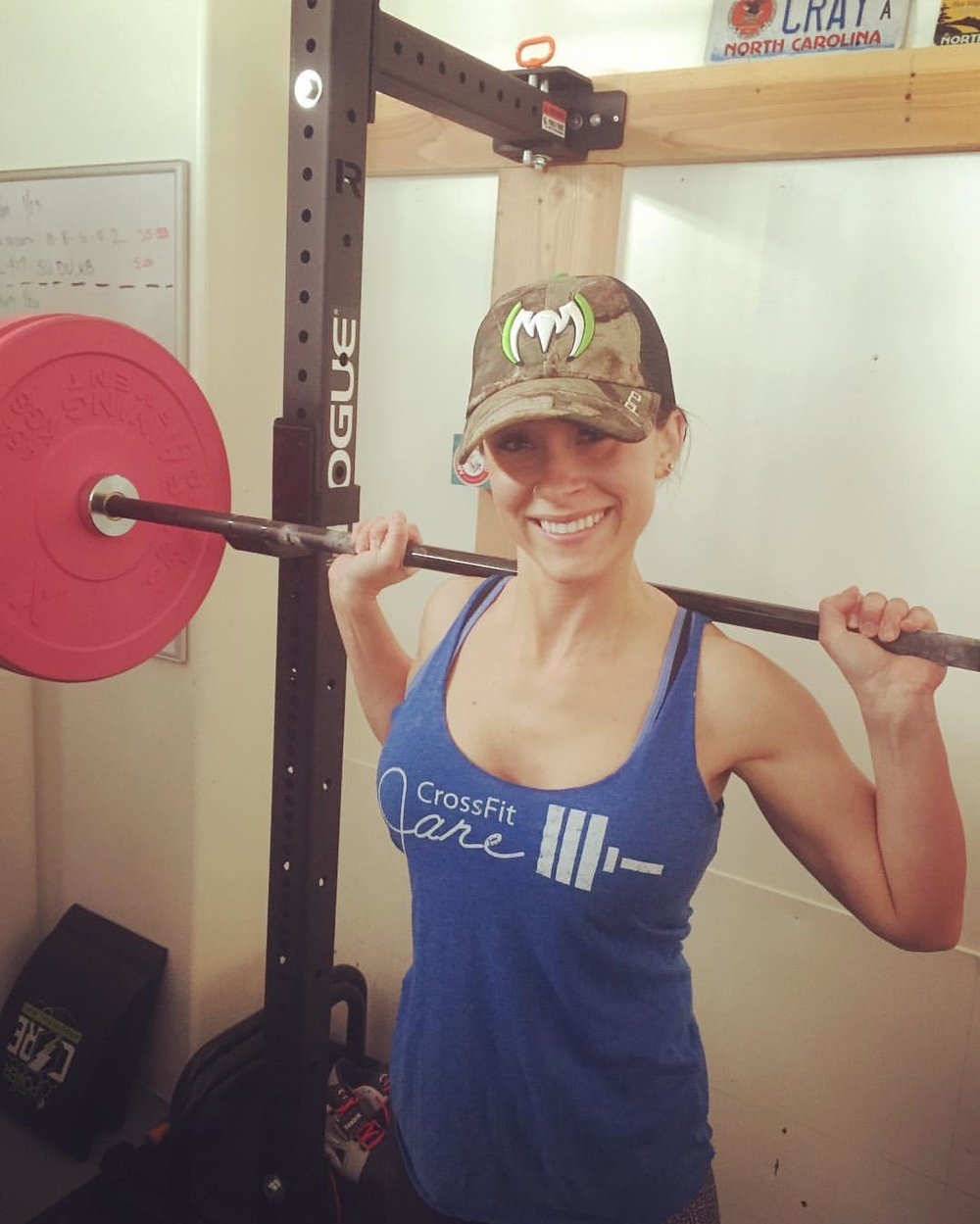 You can take the girl out of CFJ, but you can't take the CFJ out of the girl!💪👏Christina is representing our tribe in her garage gym in snowy Utah.