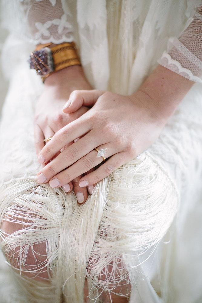 Boho_City_Elopement_wedding_Ring.jpg
