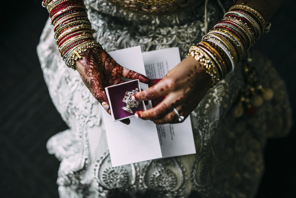 Acowsay_Minnesota_Wedding_Video_Couples_Gift.JPG
