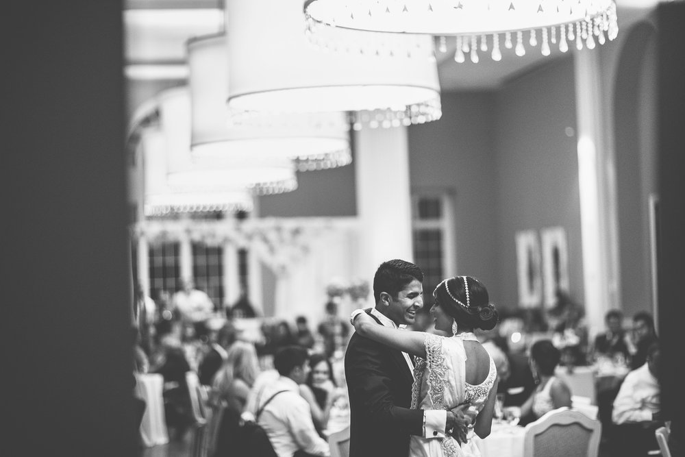 Acowsay_Minnesota_Wedding_Video_First_Dance_2.JPG