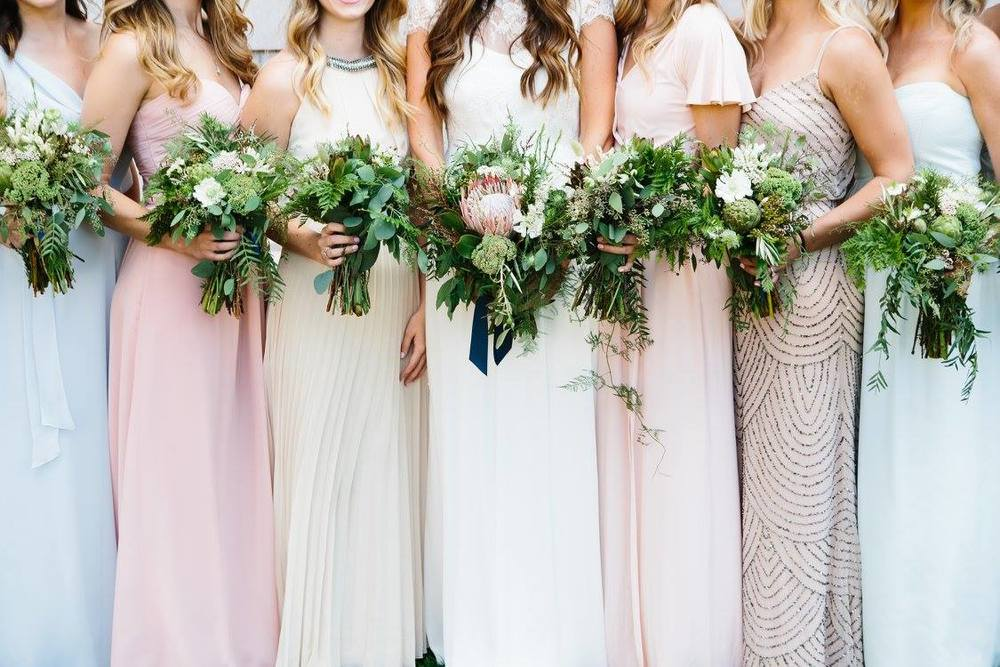 Bridesmaid_Bouquets_Canary_Grey_MN_Photography_Acowsay_Cinema.jpg