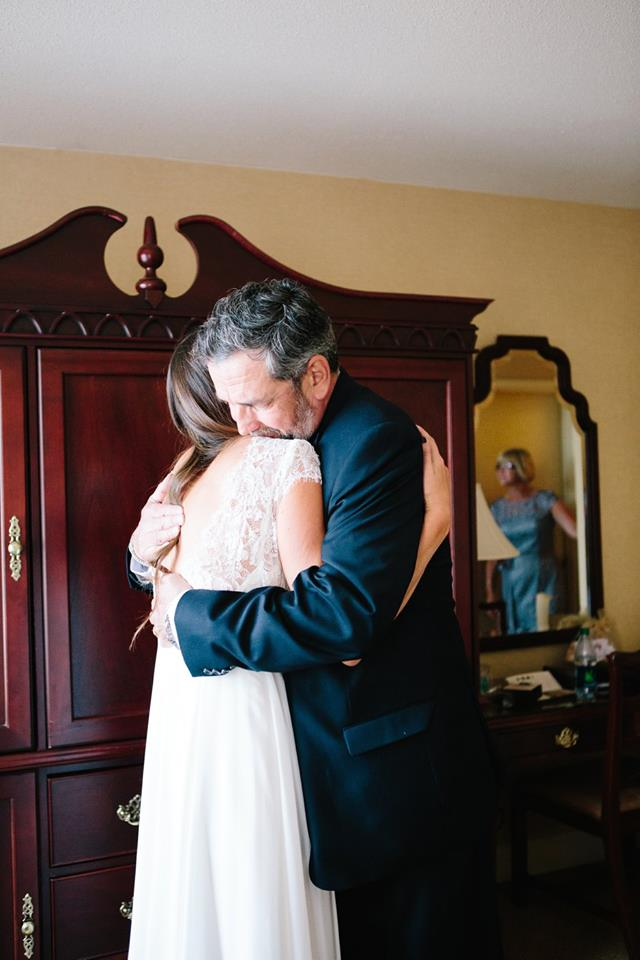 Father_Daughter_Hug_Canary_Grey_MN_Photography_Acowsay_Cinema.jpg