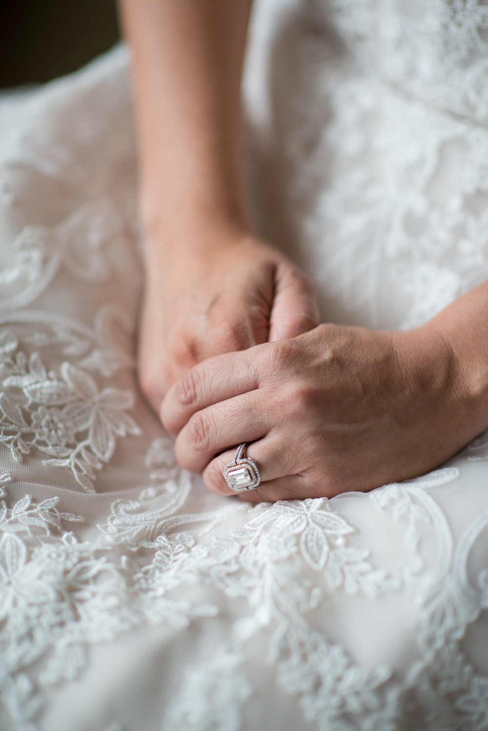 Acowsay_Cinema_MN_Wedding_Lace_Wedding_Ring.jpg