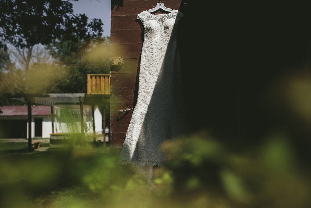 Mike+Holly+Brandon_Werth_Acowsay_Cinema_Wedding_Gown.jpg