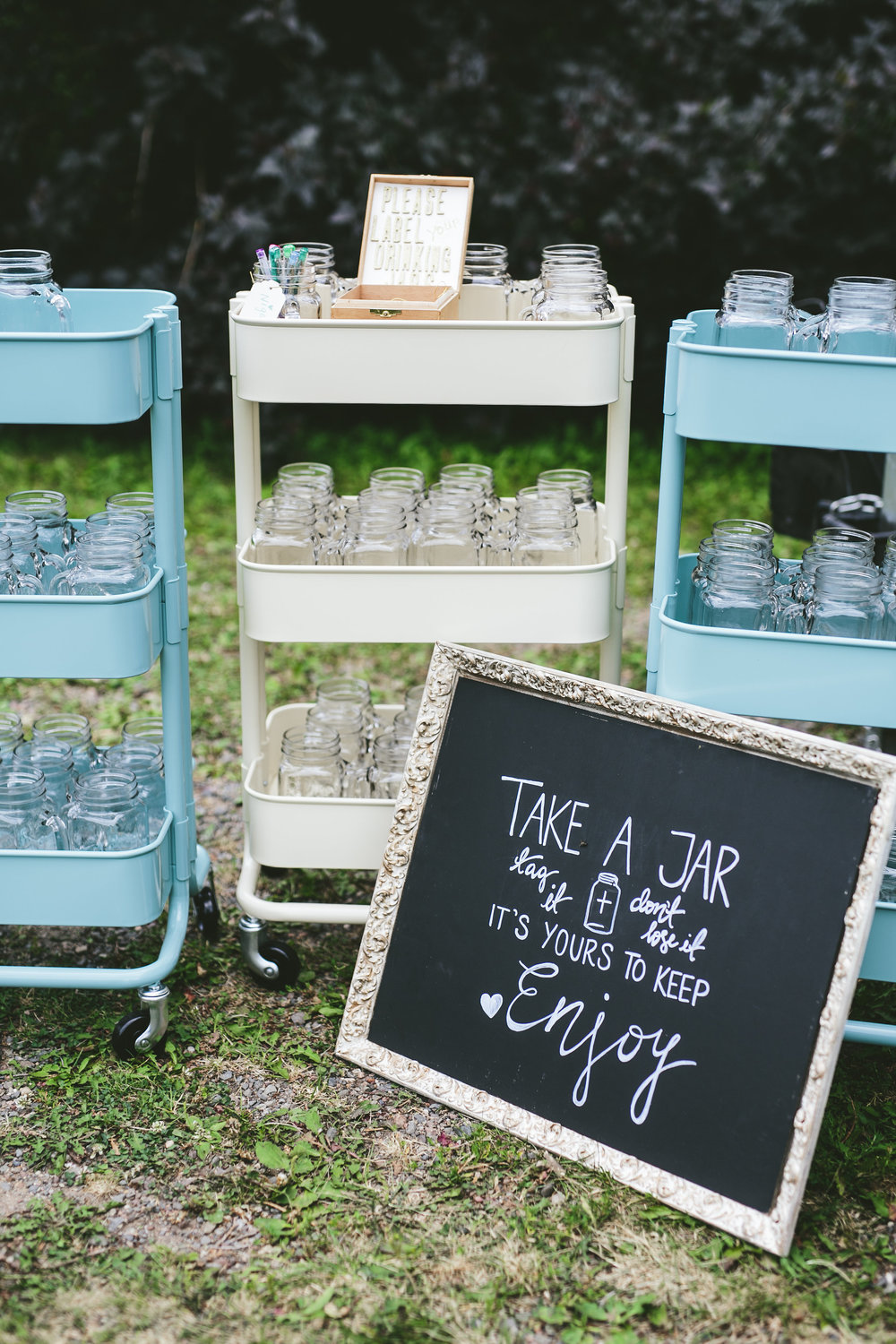 Mike+Holly+Brandon_Werth_Acowsay_Cinema_Wedding_Mason_Jars.jpg