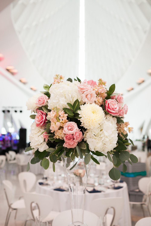Jenny_Dan_Wedding_Minnesota_Florals.jpg