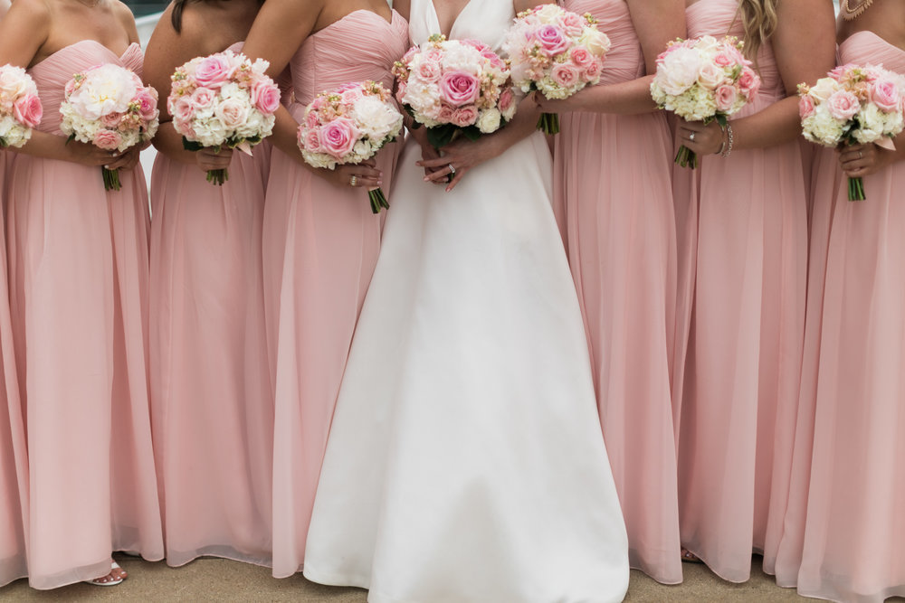 Wisconsin_Wedding_acowsay_Uttke_Photography_Bridesmaids.jpg
