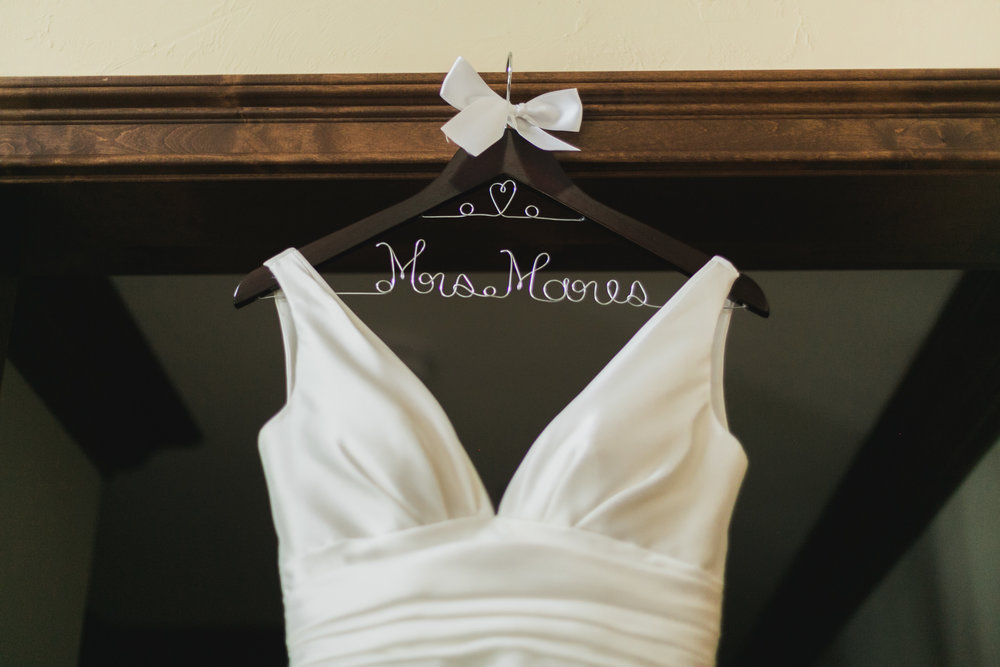 Wisconsin_Wedding_acowsay_Uttke_Photography_hanger.jpg
