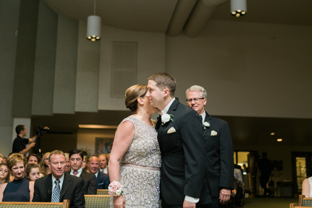 Wisconsin_Wedding_acowsay_Uttke_Photography_mother.jpg