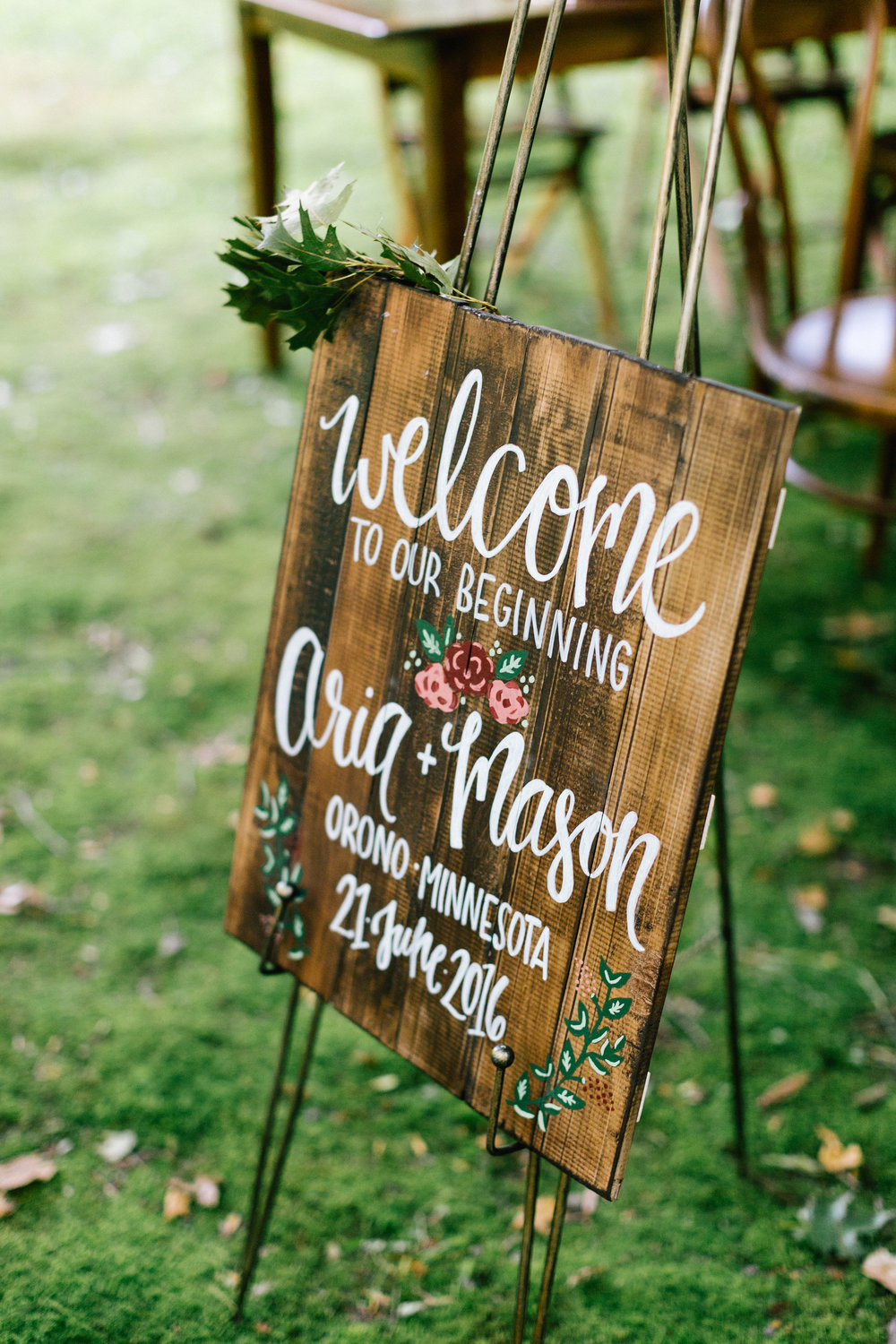 Allison_Hopperstad_Photography_Acowsay_Wedding_Signage.JPG