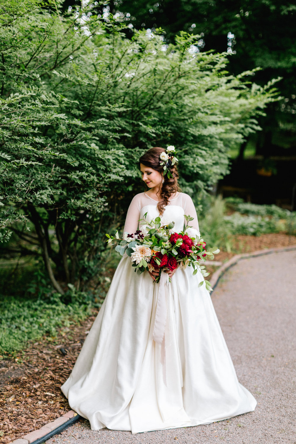 Allison_Hopperstad_Photography_Acowsay_Wedding_Bride.JPG