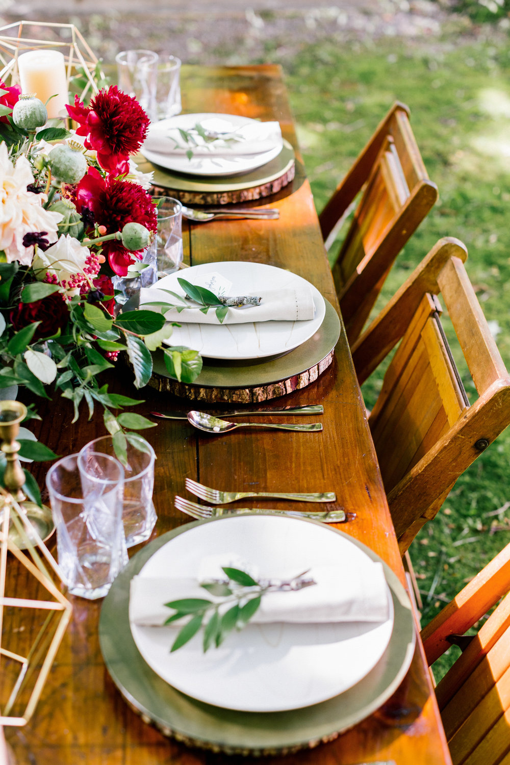 Allison_Hopperstad_Photography_Acowsay_Wedding_table.JPG