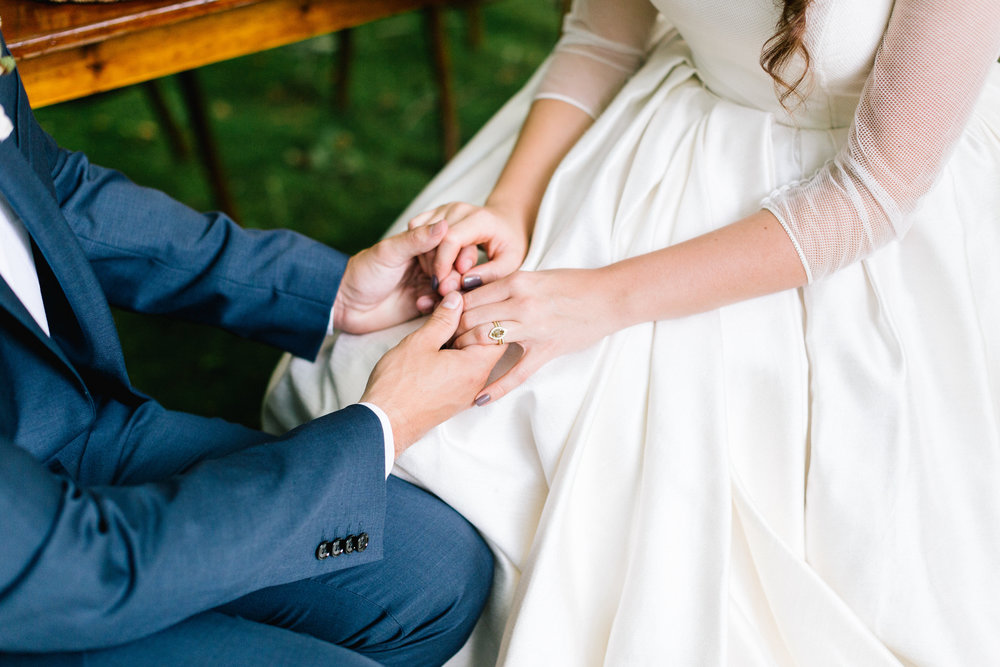 Allison_Hopperstad_Photography_Acowsay_Wedding_ring.JPG
