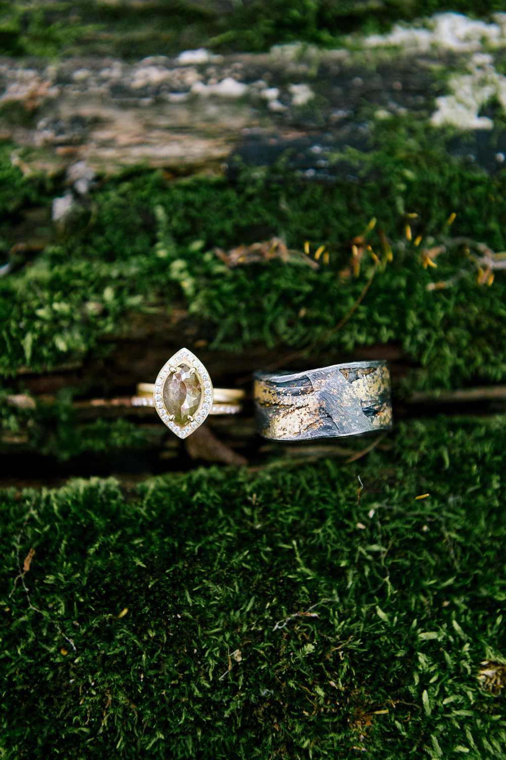 Allison_Hopperstad_Photography_Acowsay_Wedding_Rings.JPG