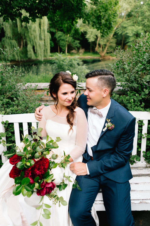 Allison_Hopperstad_Photography_Acowsay_Wedding_Couple.JPG