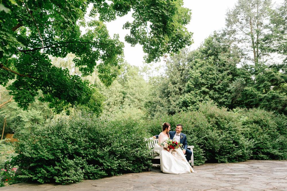 Allison_Hopperstad_Photography_Acowsay_Wedding_Couple_2.JPG