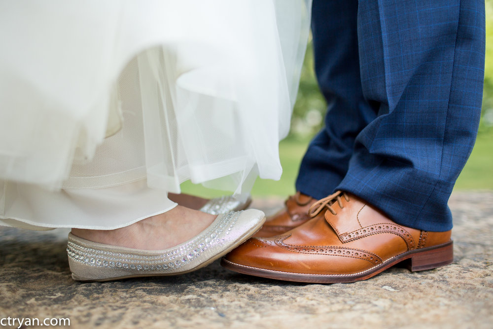 Acowsay_Minnesota_Wedding_Shoes.jpg