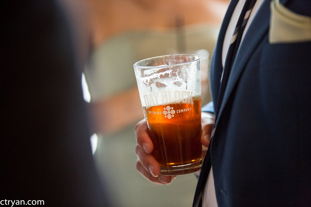 Acowsay_Minnesota_Wedding_Beer.jpg