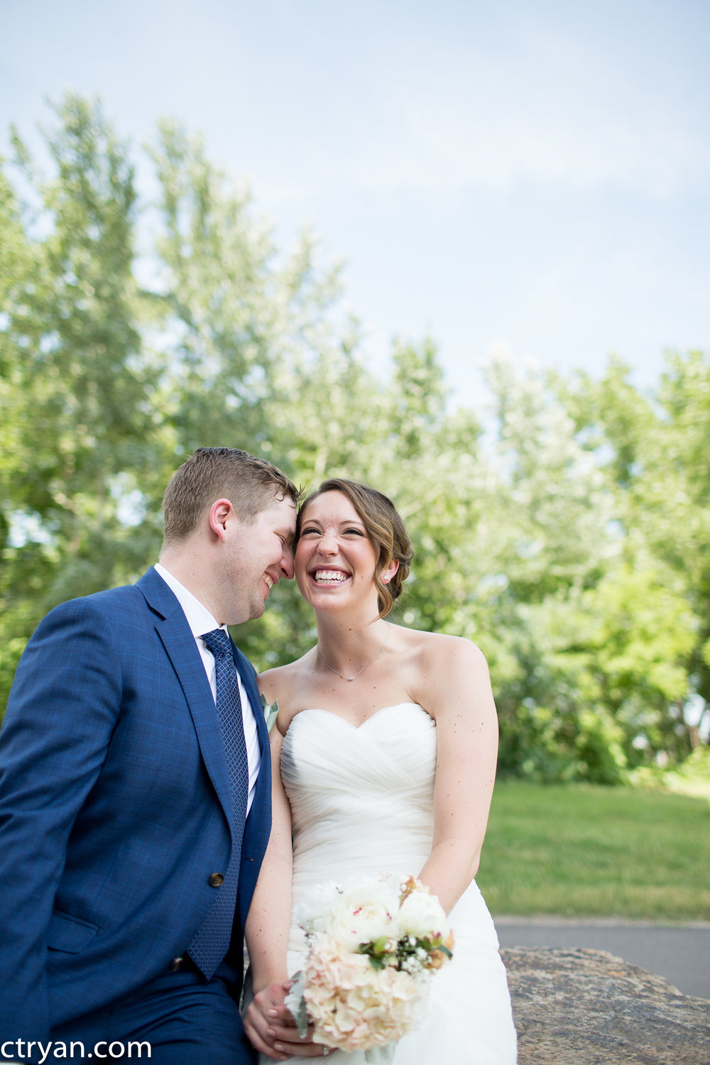 Acowsay_Minnesota_Wedding_Couple_4.jpg