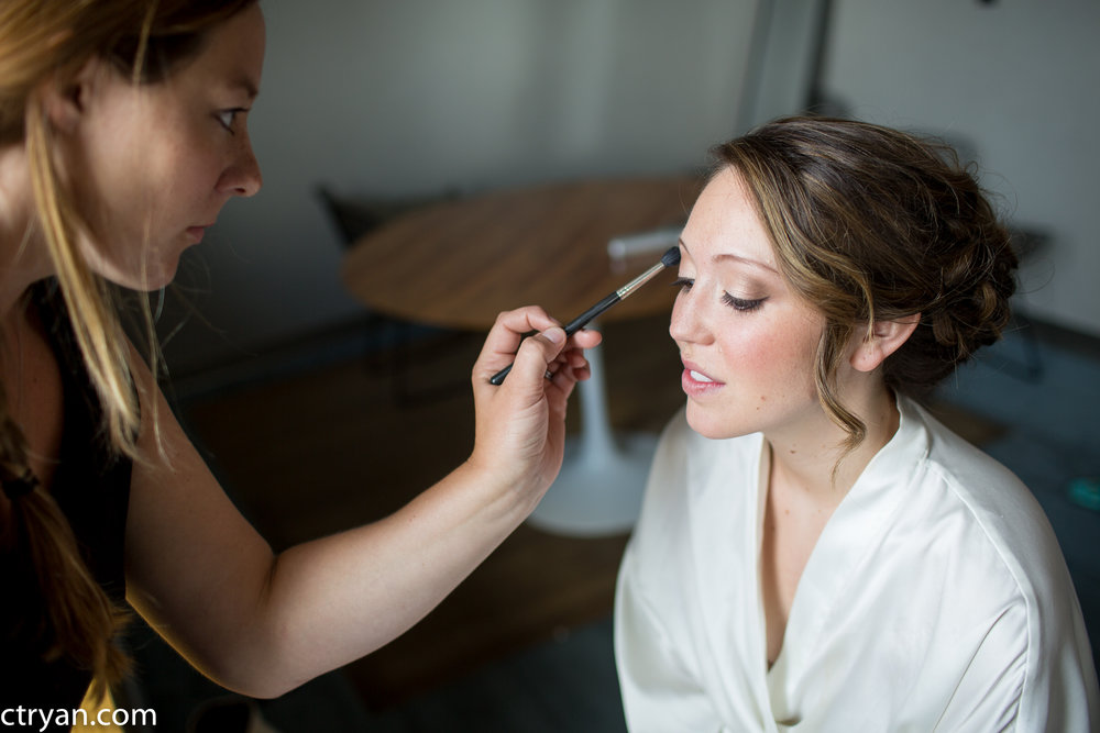 Acowsay_Minnesota_Wedding_Getting_Ready_2.jpg