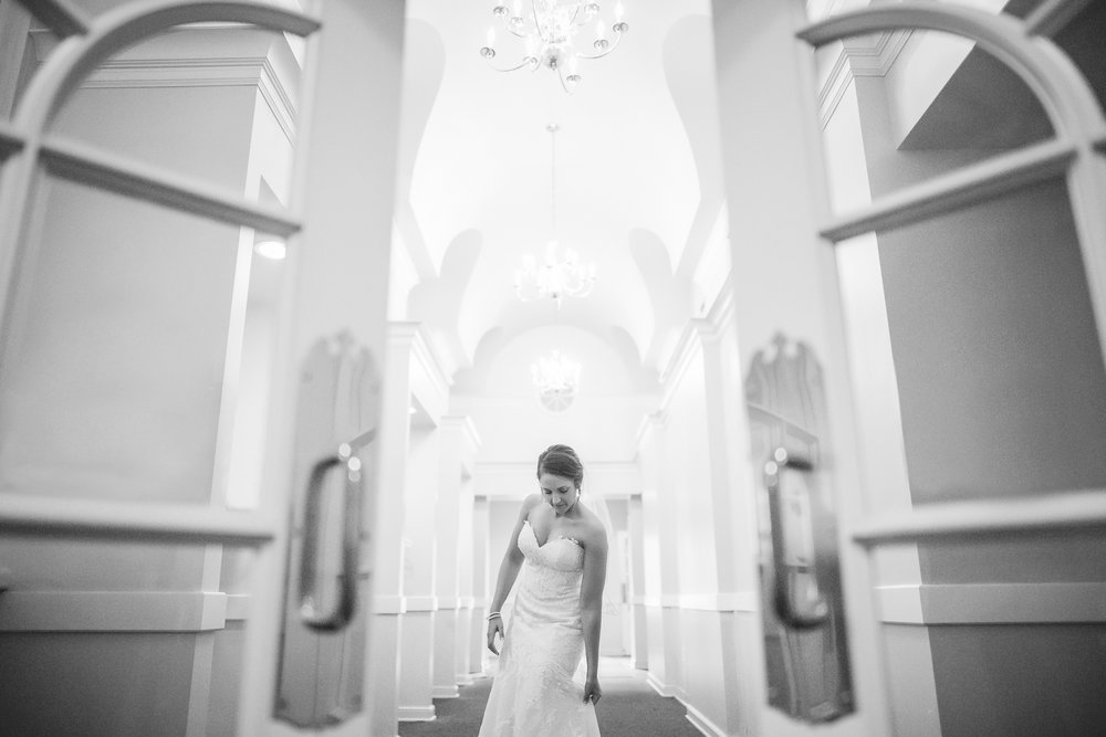 Joe_Jen_Photography_MN_Wedding_bride.jpg