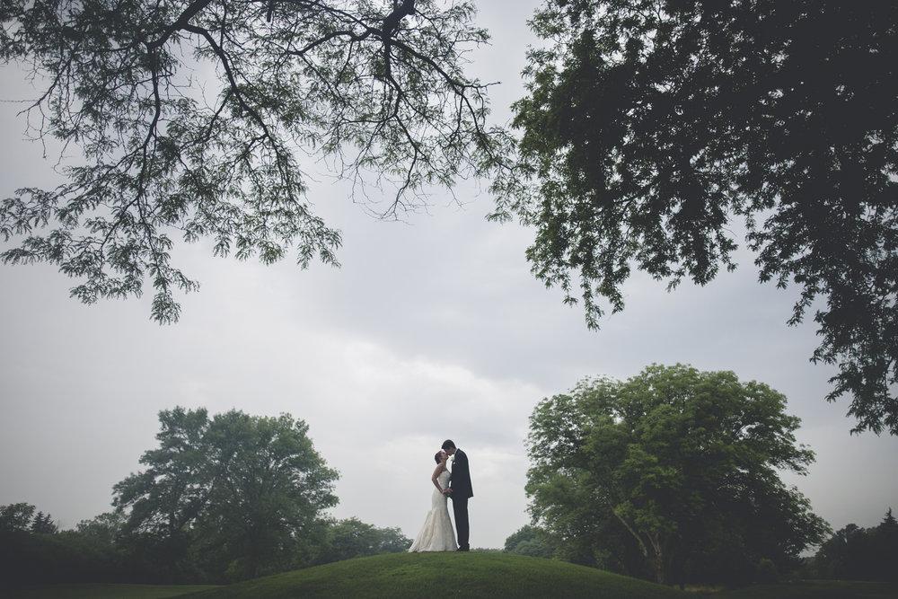 Joe_Jen_Photography_MN_Wedding_couple_10.jpg