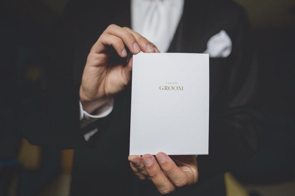 Joe_Jen_Photography_MN_Wedding_groom_letter.jpg