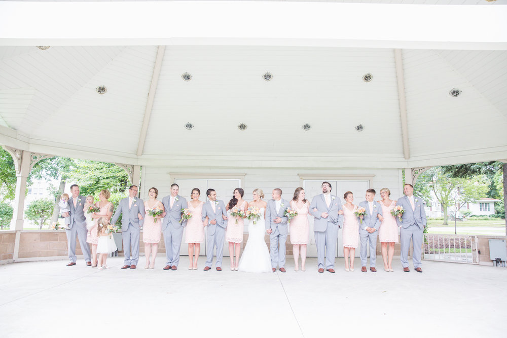acowsay-cinema-minneapolis-wedding-15.jpg