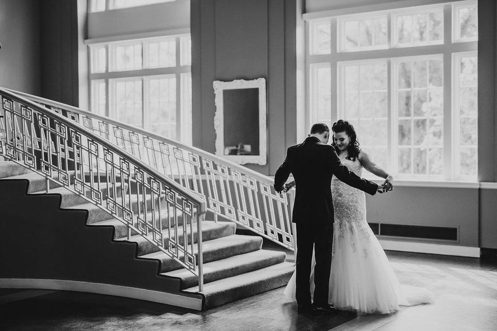 acowsay-cinema-clewell-photography-minnesota-wedding-15.jpg