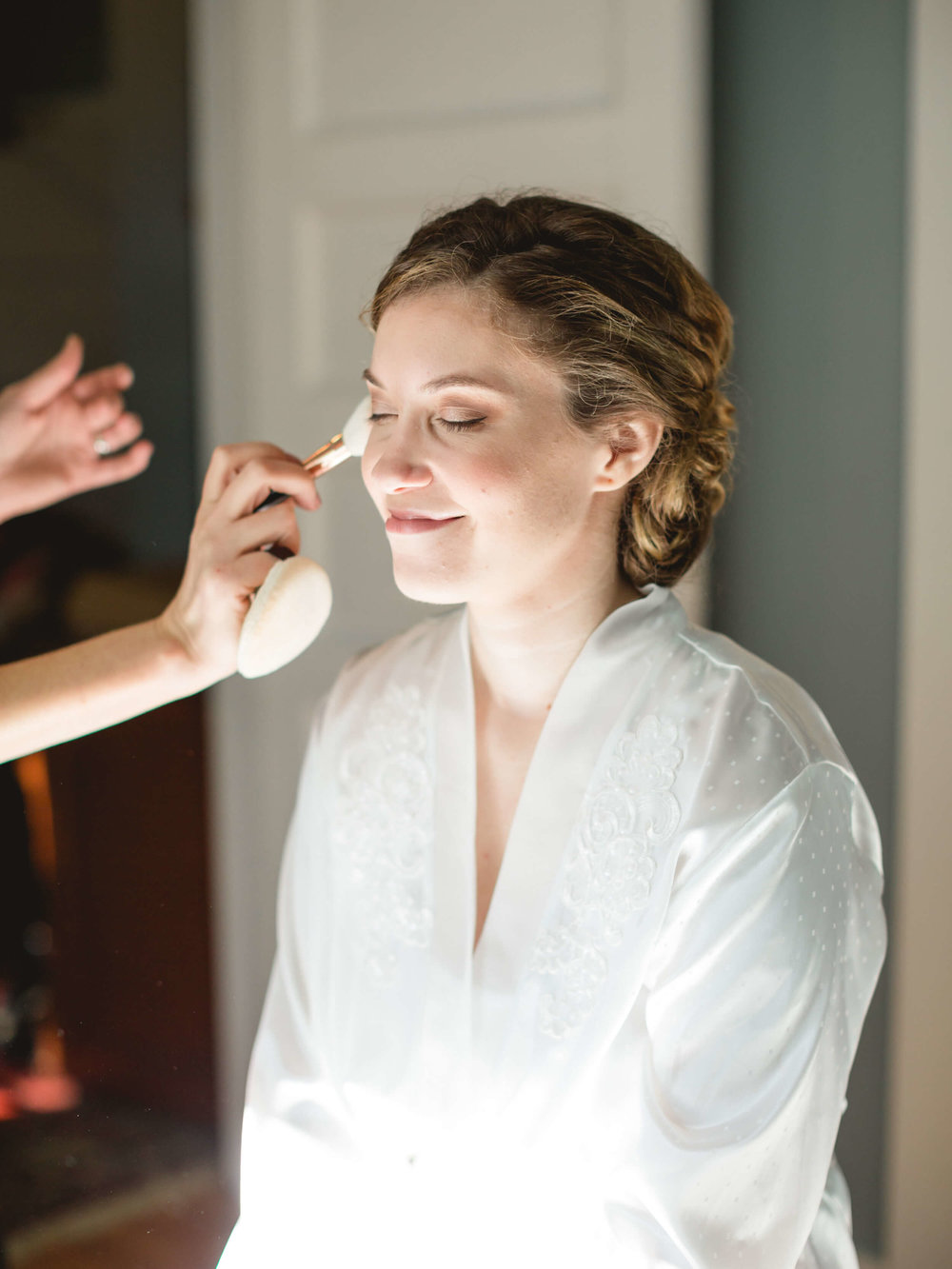 rochelle-louise-photography-acowsay-cinema-wisconsin-wedding-5.jpg