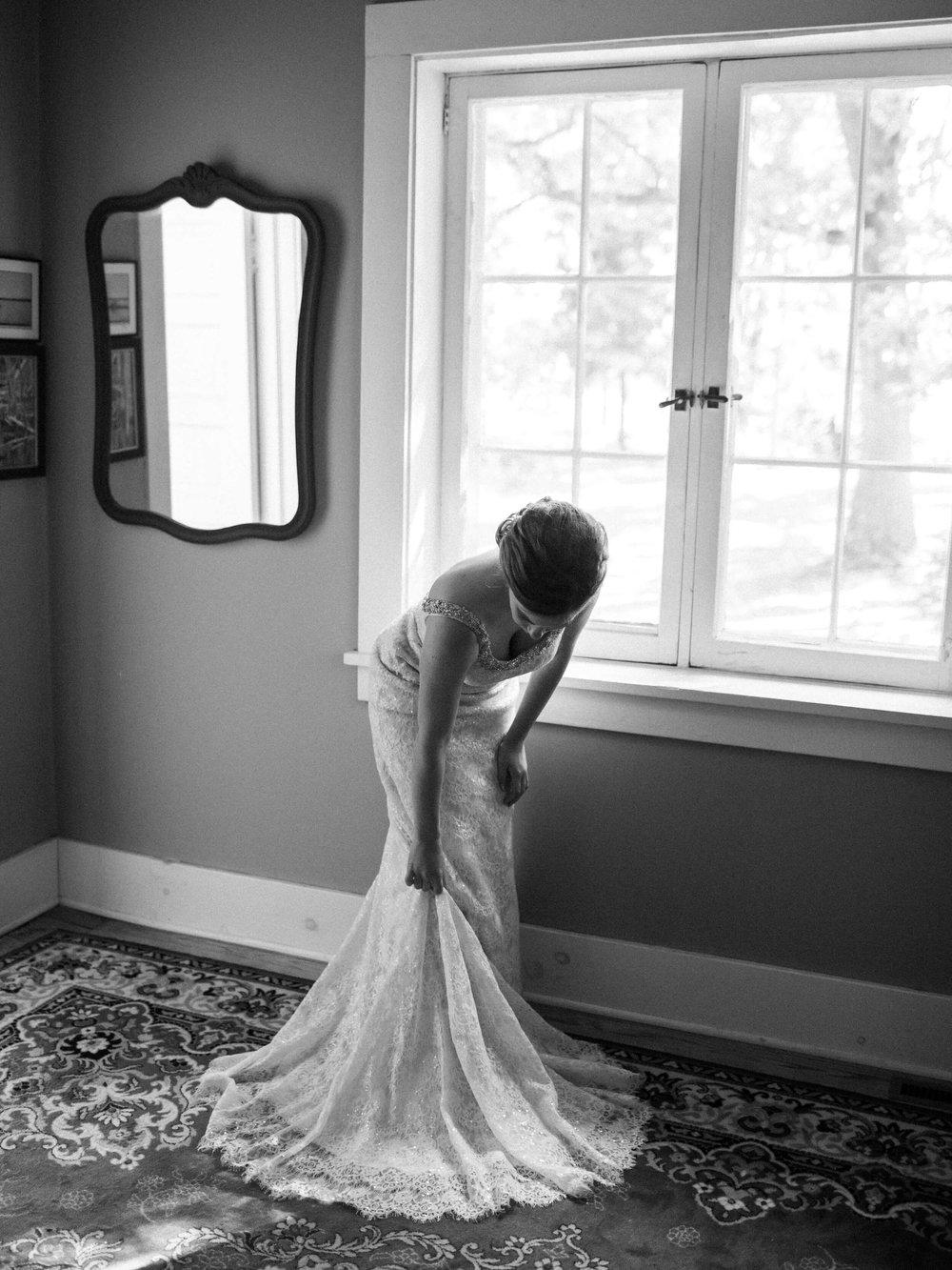 rochelle-louise-photography-acowsay-cinema-wisconsin-wedding-19.jpg