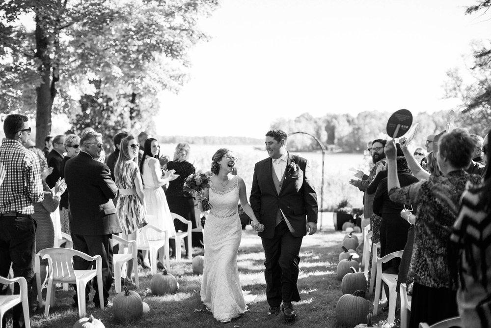 rochelle-louise-photography-acowsay-cinema-wisconsin-wedding-52.jpg