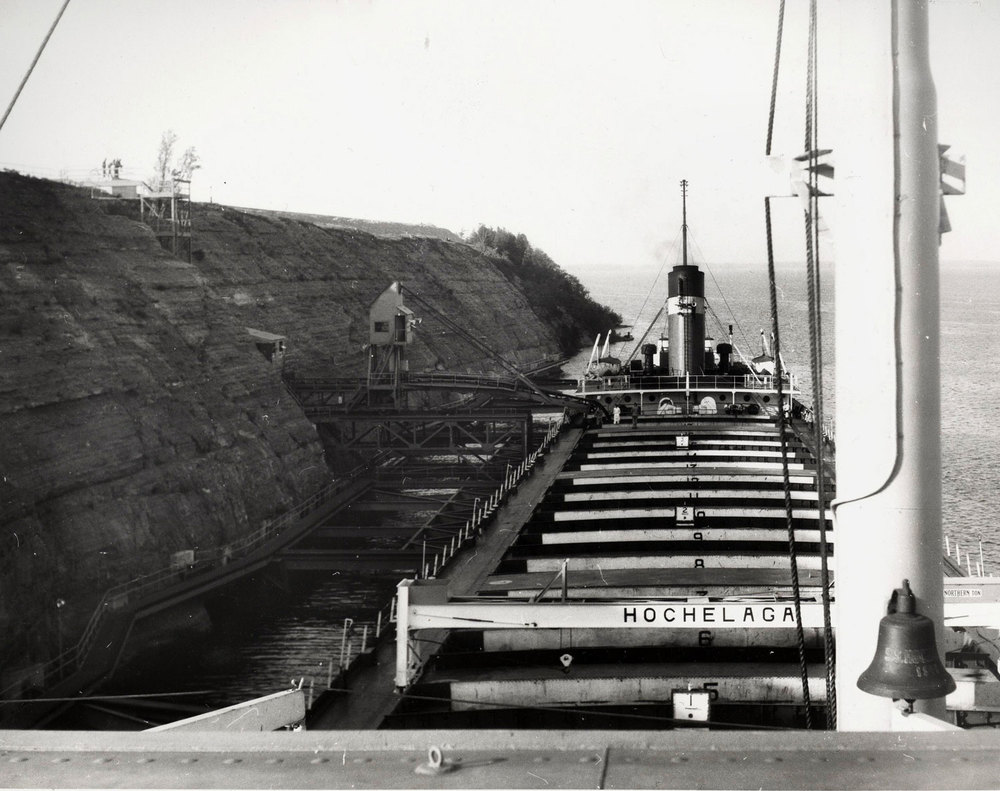 1956 Loading of pellets on ship Marmoraton Mine