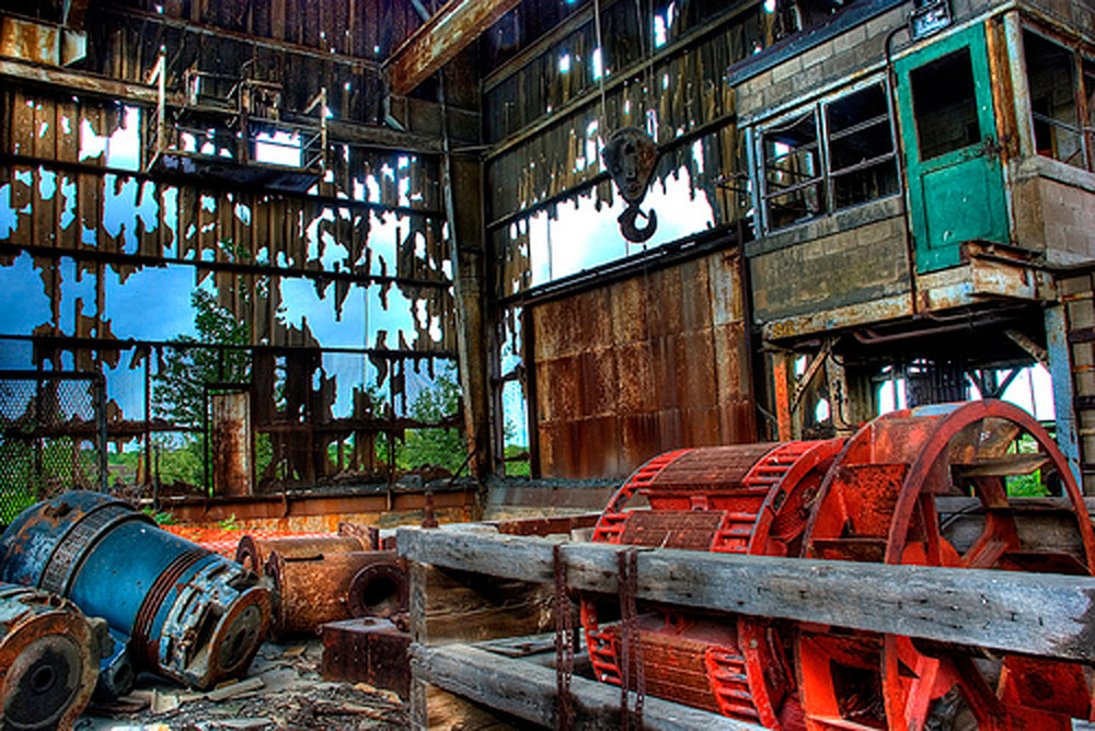 Marmoraton Mine The crusher,  abandoned