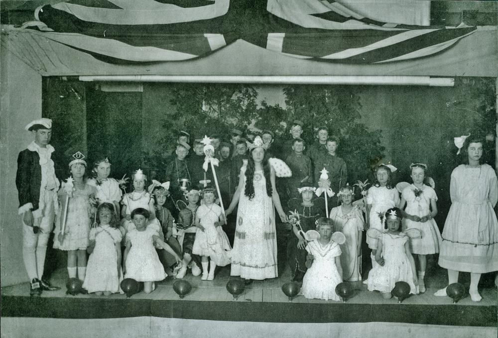 1918 Deloro Hall, Christmas Concert