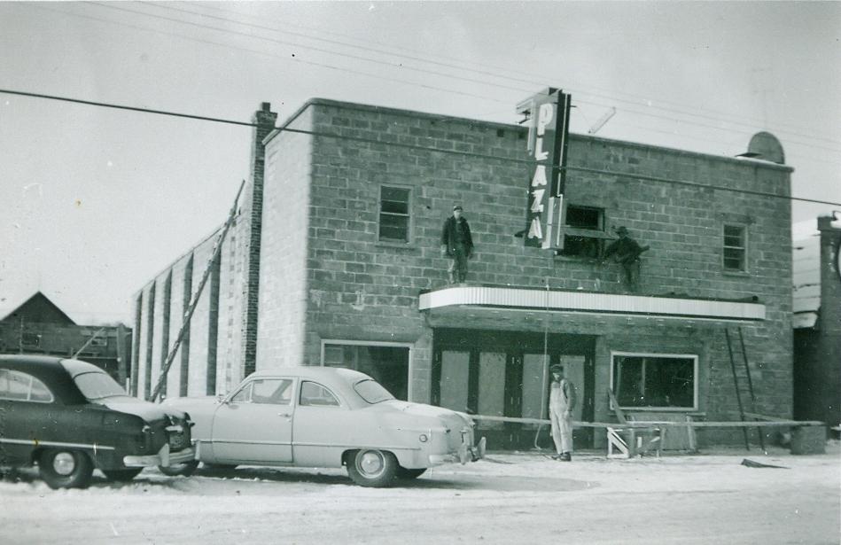 Building the Plaza Theatre, 1950