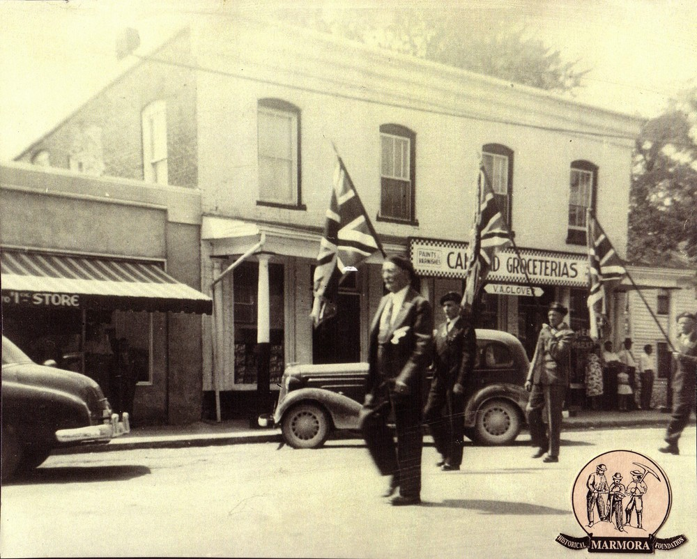 Wartime parade,  Forsyth Street,  Glover's Grocery.JPG