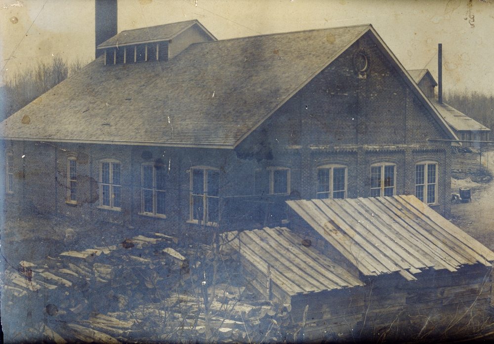 Air Compressor Building1905.jpg