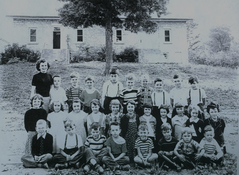 Sacred Heart School 1951-52 Gr. 1-4