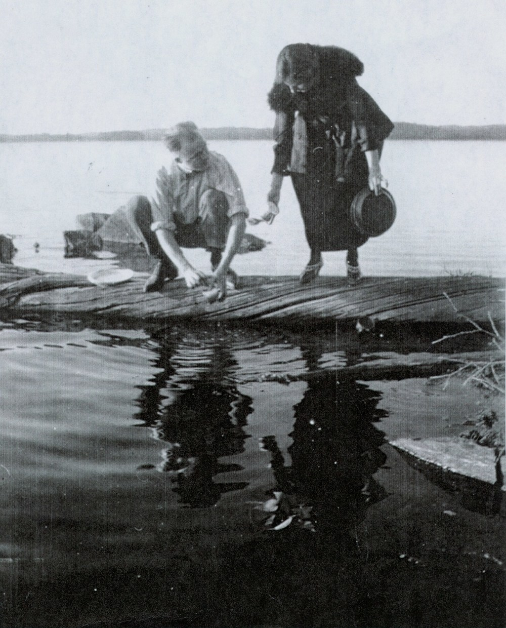 vIOLET dEACON  AND BROTHER-IN-LAW,  HAROLD MUMBY AT cROWE lAKE,  C.1940