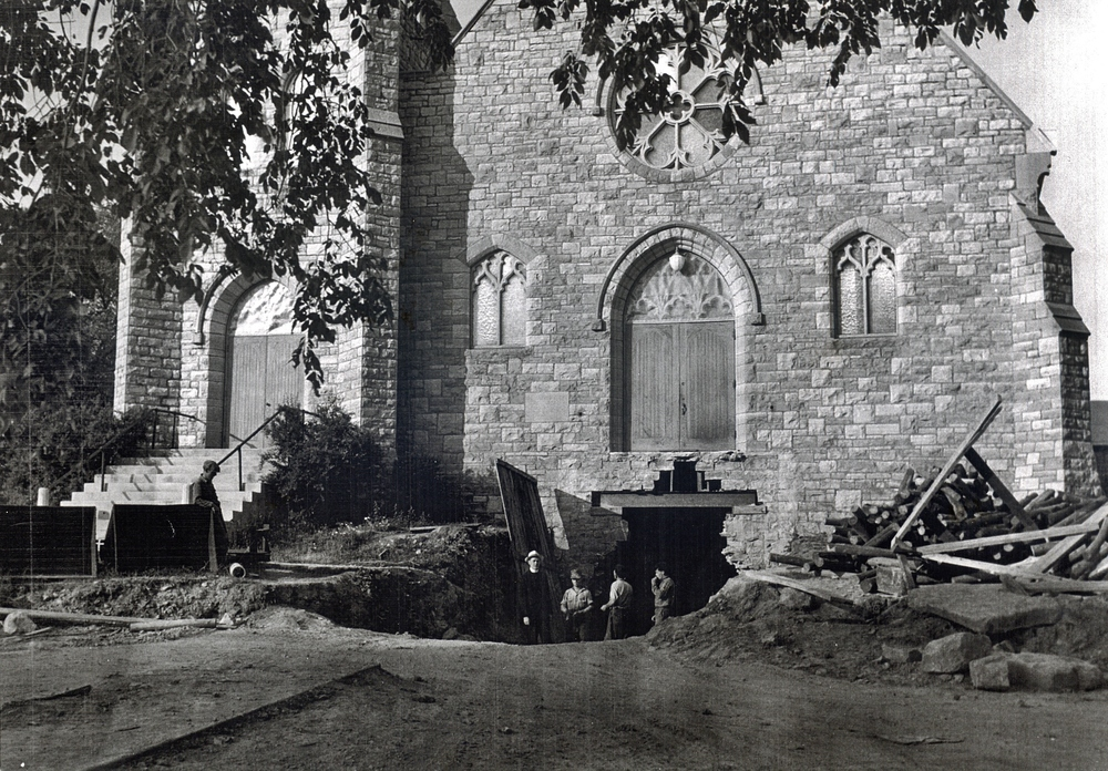 1950 Digging parish hall