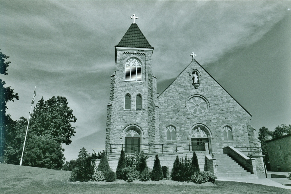 Sacred Heart Roman Catholic Church.jpg
