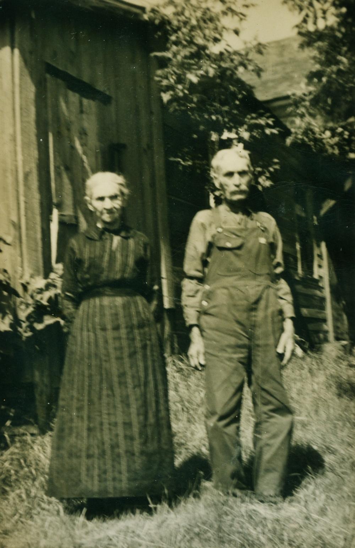 John W. & Annie Vansickle.jpg