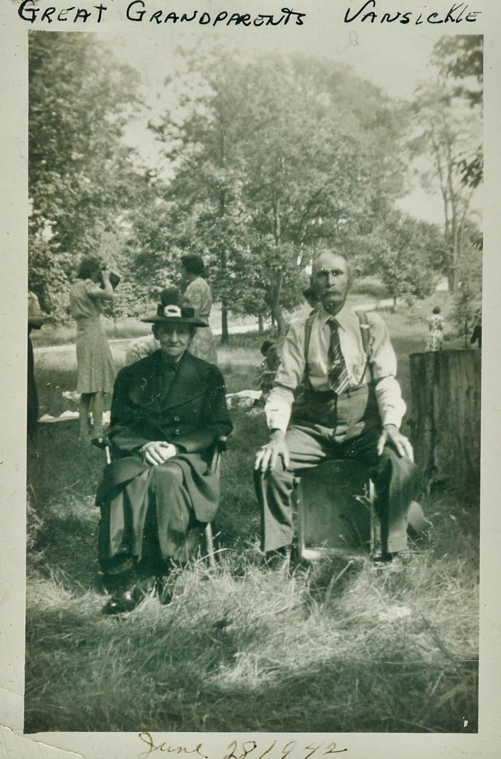 John Wesley Vansickle  & Annie Vansickle.jpg