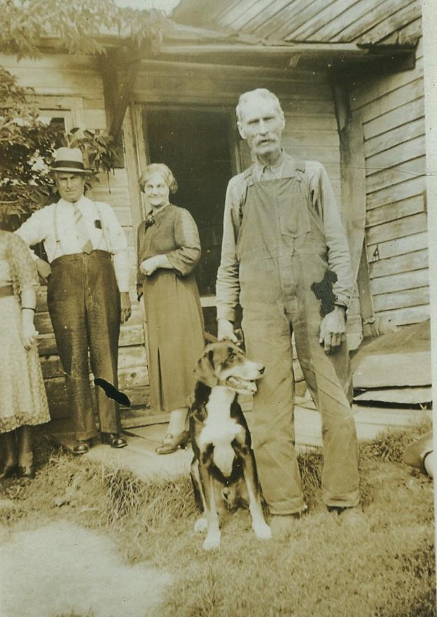 Tom, Annie & John Vansickle.jpg