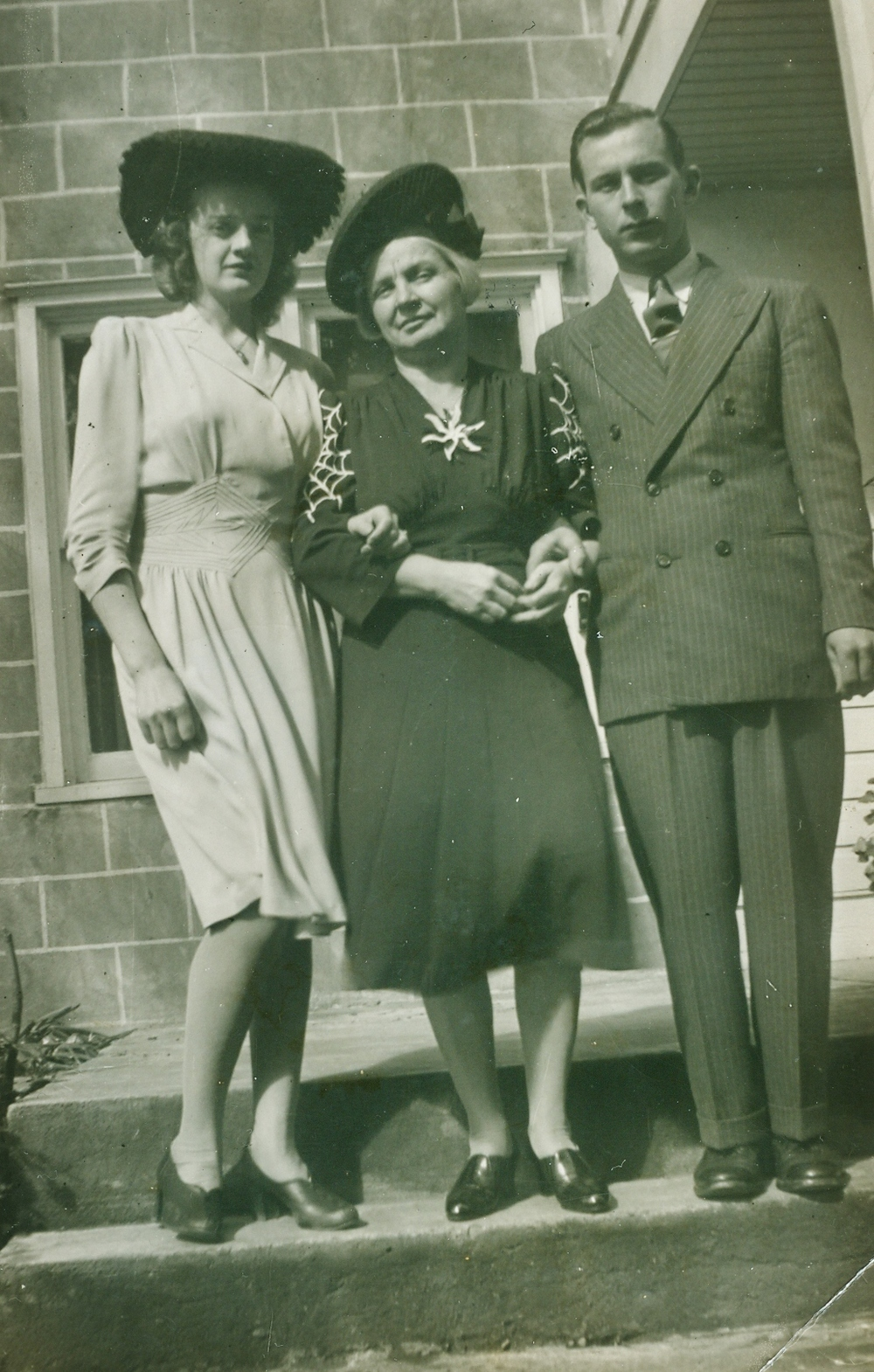 Alvin Vansickle and Beatrice Betty Annie Garland 1942 with Cora Vansickle