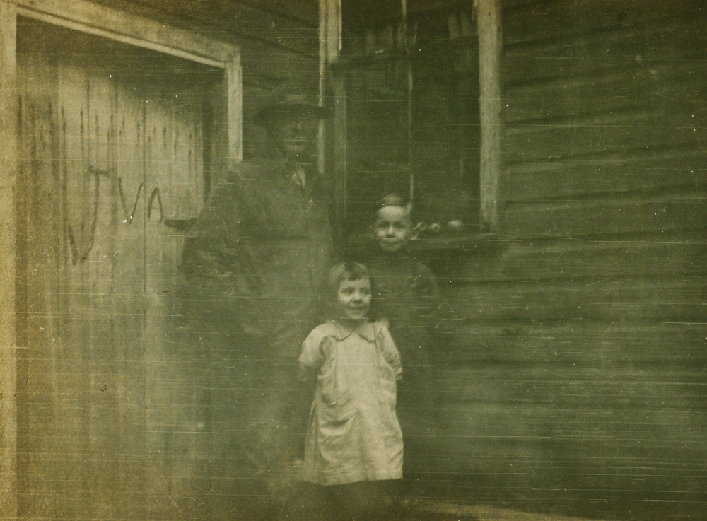 Harry, Earl & Edna Vansickle 1929